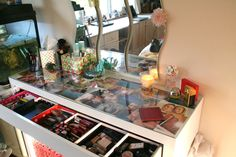 ikea malm dressing table - put a large photo under the glass top