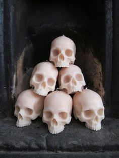 Life-size Skull Candles. these would be sweet for halloween decorations