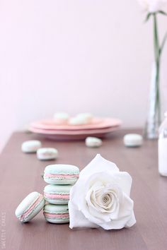 White Chocolate Strawberry Macarons | Sweetly Cakes