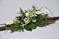 1 million+ Stunning Free Images to Use Anywhere Flower Arrangement Designs, Church Flower Arrangements, Silk Floral Arrangements, Beautiful Flower Arrangements, Flower Centerpieces, Flower Decorations, Grave Decorations, Christmas Decorations, Natal Natural