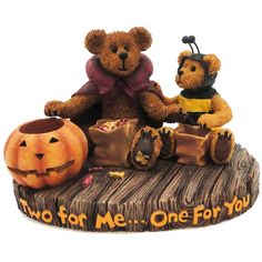 Boyds Bears Resin Devon With Lil' Buzz Two For Halloween Figurine Height: 4 Inches Material: Polyresin Type: Halloween Figurine Brand: Boyds Bears Resin Item Number: Boyds Bears Resin 4016648 Catalog Halloween Candy, Holidays Halloween, Boyds Bears, Teddy Bears, Kids Story Books, Christmas Store, Pug Love, Collectible Figurines, Bar