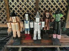 Wizard of oz Tin Man Garden Art Tin Can Crafts, Metal Crafts, Recycled Crafts, Handmade Crafts, Arts And Crafts, Crafts With Tin Cans, Handmade Headbands, Handmade Rugs, Tin Can Man