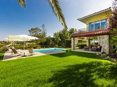 Rethymno villa rental - Large lawn covered garden!