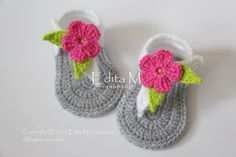 Crochet baby sandals, gladiator sandals, slippers, booties, shoes, gray, grey, white, flower, pink, green, gift, READY TO SHIP, 3-6 months