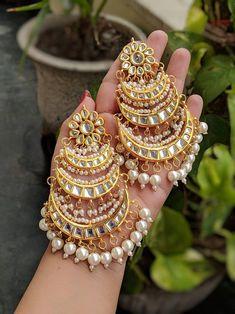 Indian Bridal Jewelry Sets, Indian Jewelry Earrings, Fancy Jewellery, Jewelry Design Earrings, Stylish Jewelry, Bridal Earrings, Fashion Jewelry, Pearl Earrings, Silver Earrings