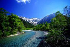 《長野県》上高地 海外の前に日本でしょ! Instagramで話題の「日本の絶景スポット」20選   RETRIP Beautiful Places In Japan, Beautiful World, Japanese Nature, Nagano Japan, Japan Landscape, Wild Nature, Great View, Japan Travel, Nature Photos