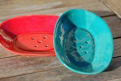 Mýdlenka keramická oválná (Červená či Tyrkysová)
