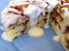 Cinnamon Roll Pancakes - Fantastic twist for the brunch the morning after a wedding! (Not to mention, I want them for breakfast in bed at home - note to husband. Breakfast And Brunch, Breakfast Recipes, Dessert Recipes, Desserts, Pancake Recipes, Pancake Ideas, Sunday Brunch, Birthday Breakfast, Dinner Recipes