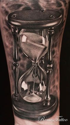 What does hourglass tattoo mean? We have hourglass tattoo ideas, designs, symbolism and we explain the meaning behind the tattoo. Watch Tattoos, Time Tattoos, Body Art Tattoos, Sleeve Tattoos, Tatoos, 3d Tattoos, Tattoo Drawings, Hourglass Drawing, Hourglass Tattoo