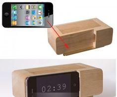 iPhone Alarm Clock. WANT!
