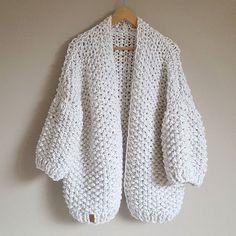 WEBSTA @ roisin_knitwear - ♡ Winter whites with a silver touch ♡ #roisinknitwear#handknitted#cardigan#handmade#shophandmade#style#fashion#winterfashion#styleoftheday#chillydays#sweaterweather#exclusive#knitwear