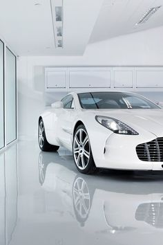 Aston Martin One-77 _______________________ WWW.PACKAIR.COM