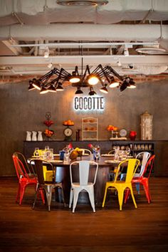 French Cocotte restaurant at the Wanderlust Hotel in Singapore, featuring Tolix Tabouret chairs, designed by Chris Lee. Deco Restaurant, Restaurant Branding, Restaurant Design, Eclectic Restaurant, Design Hotel, Rustic Restaurant, Vintage Restaurant, Restaurant Concept, Corporate Design