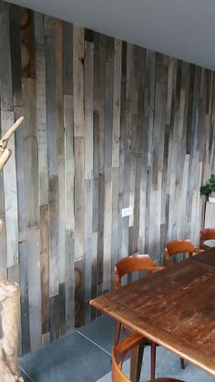 barnwood wallcladding houten wandbekleding op kleur gemaakt, barnwood sloophout, houten wand stoer robuust industrial, kom naar de showroom.