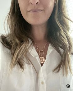 This timeless jewelry staple should be part of your essentials, especially on trend for spring summer 2021 Gold Coin Necklace, Arrow Necklace, Traditional Fashion, Gold Coins, Jewelry Trends, Capsule Wardrobe, Classic Style, Fashion Jewelry, Essentials