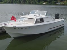 Glasspar Forums: Midwest All-Classics Boat Show at Beloit WI Cruiser Boat, Cabin Cruiser, Fishing Boats For Sale, Classic Wooden Boats, Boat Engine, Vintage Boats, Old Boats, Concept Ships, Boat Stuff