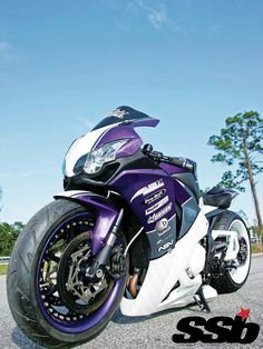 2008 CBR 1000 RR   THE GRAPE WHITE HYPE Unsure if the short, slammed and widened combo was enough to outshine the traditional long, low and chrome customs, it only took a few minutes for the crowd to deem it a success
