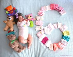 here to here From the third 3 months months) with your baby - Lexi Fletcher - 6 Month Baby Picture Ideas Boy, Baby Girl Pictures, Newborn Pictures, Half Birthday Baby, Baby Monat Für Monat, Monthly Baby Photos, Foto Baby, Baby Poses, Baby Images