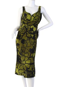 Brand: Gucci  Size: 10  Material: 100% Silk  Origin: Italy  Condition: New with tags    Retail: $1,095