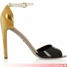 VIP.SALE!セレブ愛用多数![Sergio Rossi]Patent-leather sandals 前方には艶感のあるブラックのレザー、ヒール・バック部分には打ち出した質感のゴールド色を採用し、 大人っぽくありながら、上品さも兼ね備えた逸品。