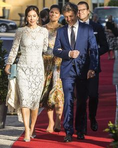 """On May Crown Prince Frederik and Crown Princess Mary of Denmark, Crown Princess Victoria and Prince Daniel of Sweden attended a official dinner held on the occasion of the event """"Liveable Scandinavia"""" at the Eric Ericson Hall in Stockholm. Crown Princess Mary, Princess Madeleine, Crown Princess Victoria, Style Royal, Royal Look, Princess Marie Of Denmark, Princess Victoria Of Sweden, Princesa Victoria, Prince Frederik Of Denmark"""
