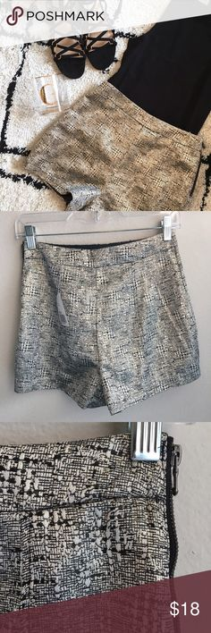 F21 high waisted black and gold dress shorts NWT These are SO fabulous and a perfect year-round piece. Wear with a crop top and sandals for the summer or with high knee boots or tights and heels when it gets chillier. Exposed side zipper adds a nice detail. Forever 21 Shorts