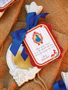 Sweet Snow White themed party - little invitations ♡
