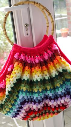 Colourful Striped Granny Stitch Bag: free pattern