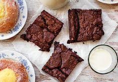 Världens+godaste+brownie+(vegan) Aquafaba, Vegan, Brownies, Sweets, Cookies, Glass, Desserts, Recipes, Buns
