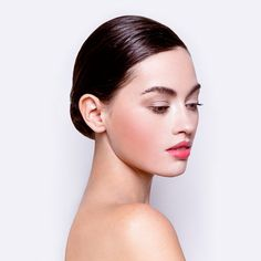 3 Slicked Back Hairstyles for Women - L'Oréal Paris Greasy Hair Hairstyles, Slick Hairstyles, Down Hairstyles, Pretty Hairstyles, Slicked Back Ponytail, Bridal Jewelry Vintage, Bouncy Curls, Hot Hair Styles, Beauty Magazine