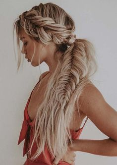 >>>Cheap Sale OFF! >>>Visit>> Gorgeous Fishtail Braid Styles You Must Try in 2019 You can see here our most valuable and amazing ideas of fishtail braids for long hair to show off right now. This is one of the best braid styles for every woman to wear in Braided Ponytail Hairstyles, Bohemian Hairstyles, Pretty Hairstyles, Boho Hairstyles For Long Hair, Hairstyle Ideas, Braid Hairstyles For Long Hair, Wild Hairstyles, Wedding Hairstyles, Curly Hair Braids