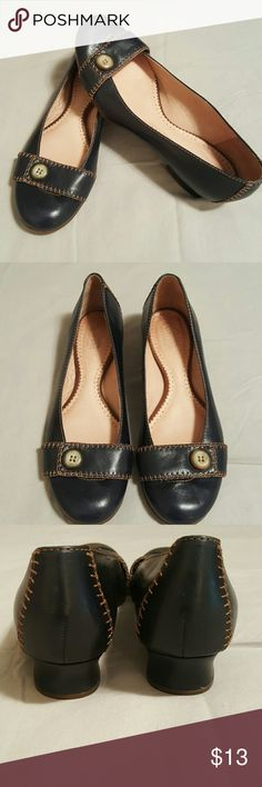 Clarks Artisan Collection Shoes Excellent Condition. Worn Once. 1/2 in. Flat Heel Clarks Shoes Flats & Loafers