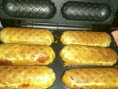 Pretzel, Hot Dog Buns, Baking Recipes, Banana, Bread, Snacks, Cooking, Chocolates, Virginia