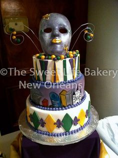 Mardi Gras themed cake by The Sweet Life Bakery New Orleans. www.nolasweetlife.com