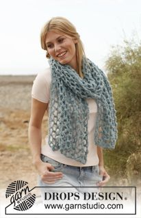 Women - Free knitting patterns and crochet patterns by DROPS Design Crochet Motifs, Crochet Shawl, Hand Crochet, Free Crochet, Knit Crochet, Crochet Scarves, Crochet Clothes, Knitting Patterns Free, Crochet Patterns