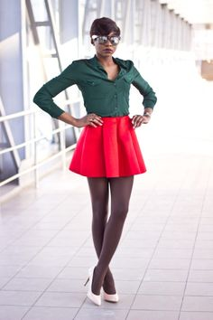 275128375ef Photo - Green shirt and short red skirt - Black women Fashion Hairstyles