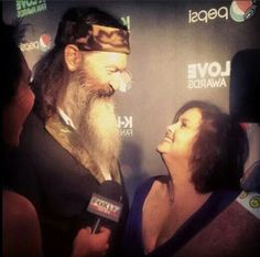 Duck Dynastys Phil Miss Kay - what a lovely picture of two people who truly love and respect each other. Robertson Family, Phil Robertson, Beautiful Family, Family Love, Family Photo, Phil Kay, Role Model Quotes, Miss Kays, Quack Quack