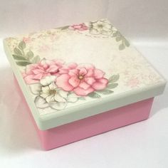 Creative Crafts, Diy And Crafts, Photo Boxes, Ceramic Boxes, Tea Box, Pretty Box, Painted Boxes, Decoupage Paper, Butterfly Art