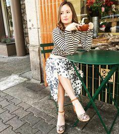 La vie en fleurs @dorotheeschumacher @isabelmarantshoes @robindira_unsworth @modelbakery #sthelena #frenchy #streetstyle #shoplocal #pearlgirlabouttown