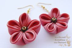Pink silk flower earrings. Cercei cu flori kanzashi din mătase roz pal. 3 cm diametru