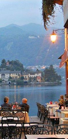 """Italy Travel Inspiration - """"Destinazione Italia"""" Travel Point dell'AmbaStore di """"Assaggia l'Italia"""" San Giulio, Novara, Regione Piemonte, Italy"""