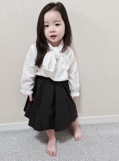 Cute Asian Babies, Korean Babies, Asian Kids, African Dresses For Kids, African Babies, Cute Little Baby Girl, Sweet Girls, Toddler Fashion, Kids Fashion