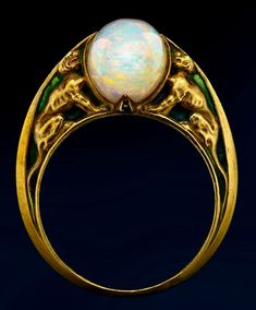René-Jules Lalique Art Nouveau Opal ring in gold and enemel. 1900s.