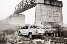 Toyota Hilux Bridge