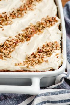 Super Moist Carrot Sheet Cake with Cream Cheese Frosting has all the wonderful flavors of a traditional carrot cake in an easy to make sheet cake! Köstliche Desserts, Delicious Desserts, Dessert Recipes, Sheet Cake Recipes, Easy Cake Recipes, Sheet Cakes, Frosting Recipes, Brownie Recipes, Baking Recipes