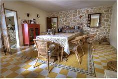 El comedor del hotel. El lugar ideal para tomar el desayuno o cenar en invierno calentitos junto a la Chimenea.