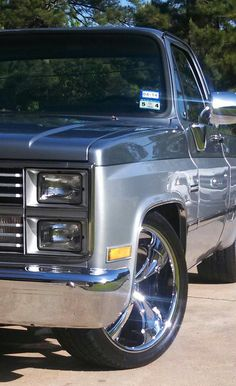at this two-tone scheme! 1987 Chevy Silverado, 1985 Chevy Truck, Custom Chevy Trucks, Chevy Pickup Trucks, Classic Chevy Trucks, Gm Trucks, Chevy Pickups, Chevrolet Trucks, Chevrolet Silverado