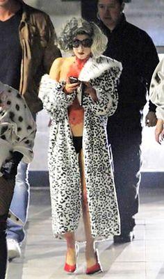 2010 lady gaga cruella deville celebrity halloween costumeshalloween 2014halloween ideaslady - Cruella Deville Halloween Costume Ideas