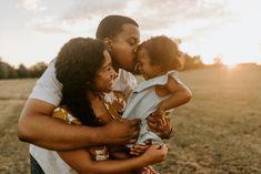 Family Photo Sessions, Family Posing, Family Portraits, Photoshoot Concept, Photoshoot Ideas, Cute Family, Family Goals, Fall Family Pictures, Family Photos