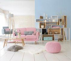 décorer son appartement, tapis en peau d'animal blanc, chaise basse rose